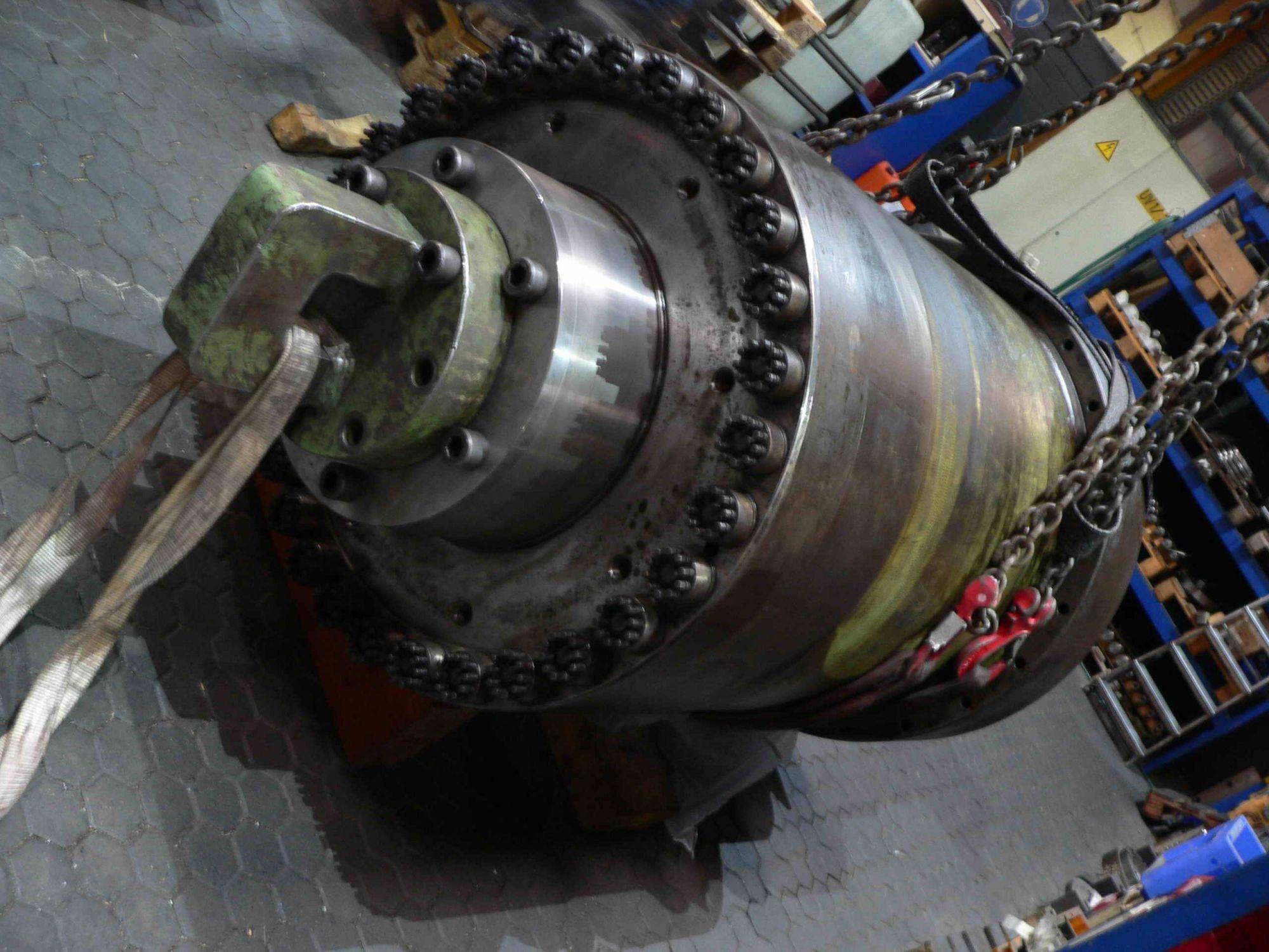 Gemeinsame 30-jähriger Hydraulikzylinder: Instandsetzung oder Neubau? @SL_23